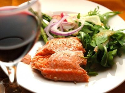 A Crash Course in Pairing Wine With Salmon