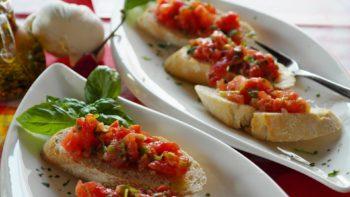 bruschetta with fresh tomatoes