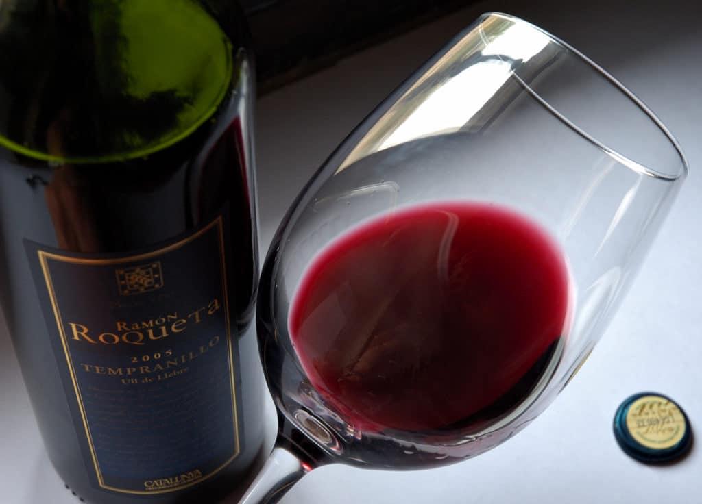 tempranillo in wine glass