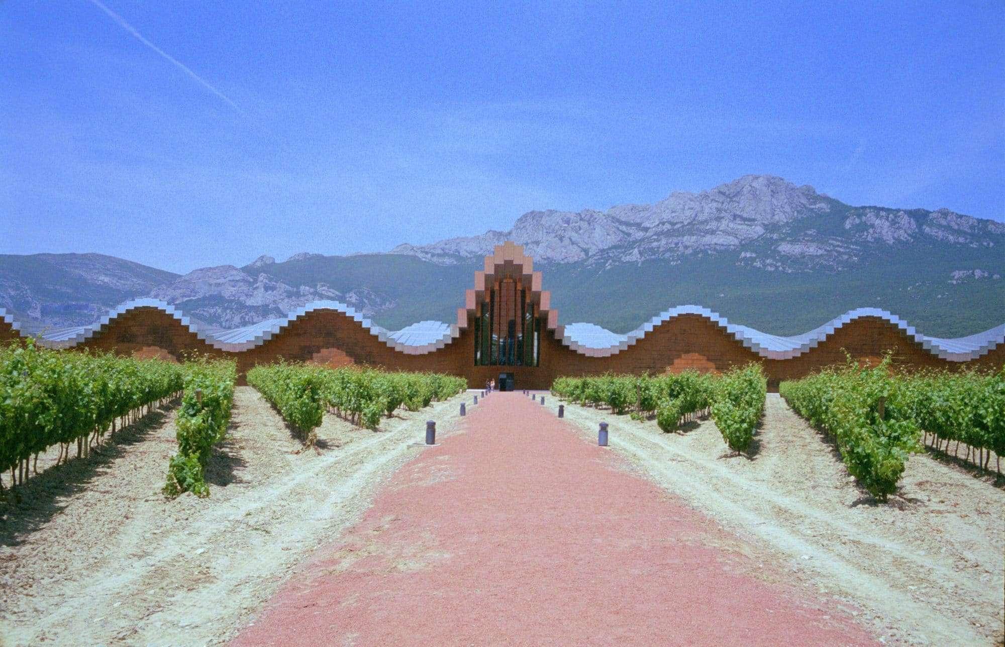 Bodegas Ysios Rioja, Spanish wine regions