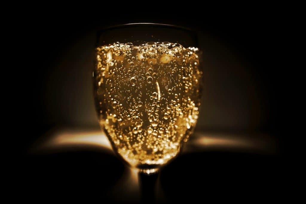 sparkling wine champagne bubbles